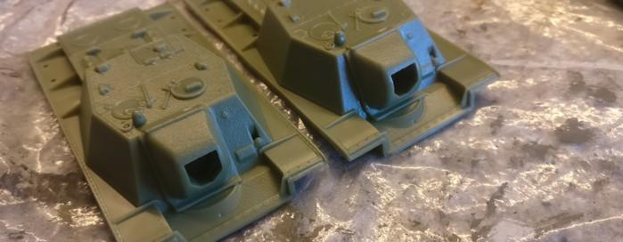 Dann folgen Dachluken und Geschützblende des SU-152 (Pegasus 7668)