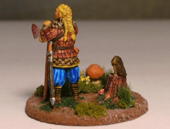 Janna mit blondem Haar und Dreifachzopf köpft in der Schlacht manch unvorsichtgen Tropf. So hielt den Stärke Einzug im Honischer Land Noch dazu in herrlichstem Gewand (Unbekannter Dichter)