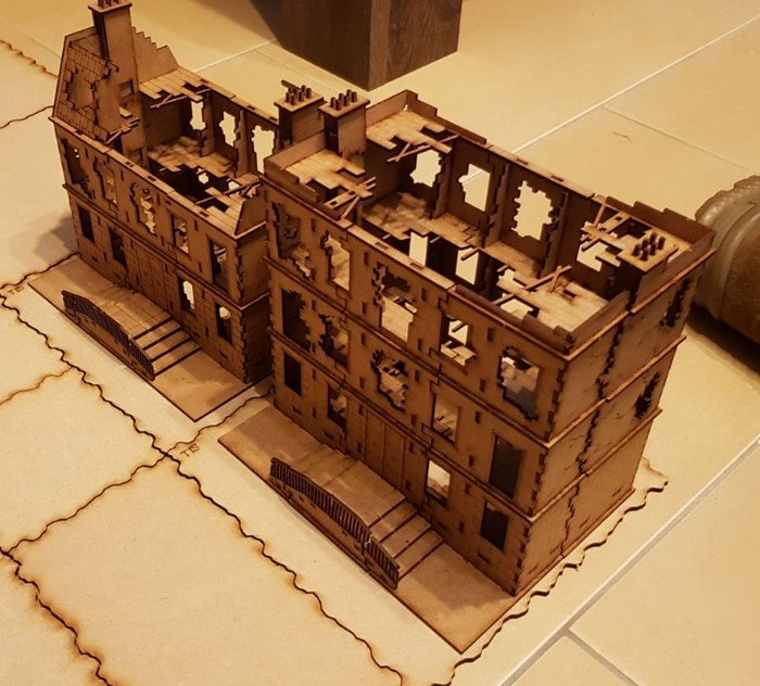 Die Sarissa Destroyed European Townhouses en bloc aufgestellt.