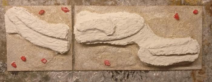 Zur Festigung der Sandkörner wird das Terrain Tile mit einer PONAL-Lasur überzogen.