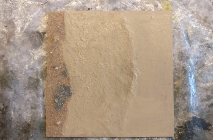"""Nach dem Trocknen des PONAL trage ich auf die Zonen """"Sand"""" und """"Wasser"""" die Revell Aquacolor 36189 Beige auf."""