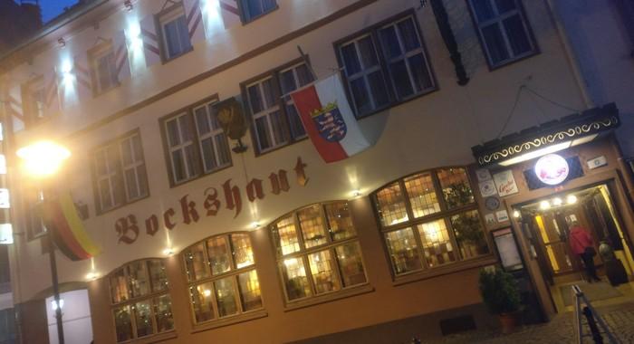 Die Bockshaut. Alte Darmstädter Lokalität mit oberleckerer hessischer Küche und eine der vielen Wahlheimaten des Sturmi.