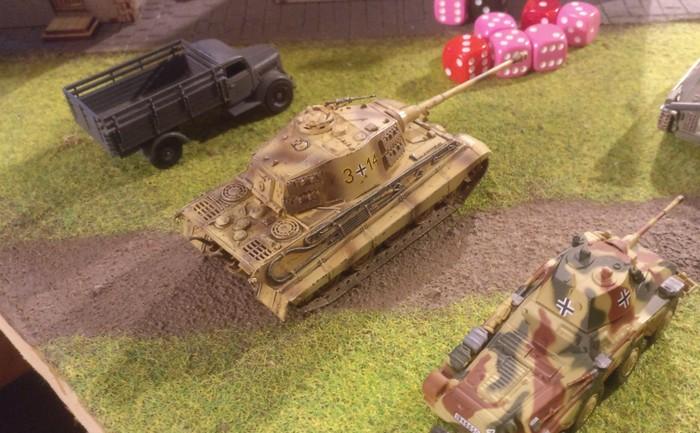 Der Tiger II der Kampfgruppe.