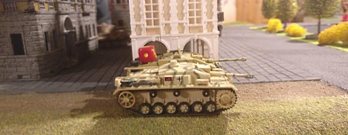 Zwei der StuG III in Wartestellung.