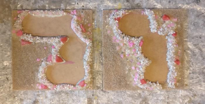 Beide Sangar nach Trocknung der neuerlichen Schicht Steine.