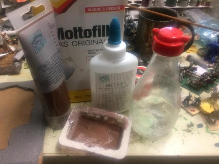 Das Bastelmaterial: Farben, Füll- und Klebstoffe,