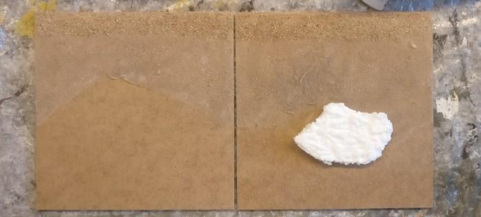 """Nach dem Trocknen sind die Bereiche """"Geröll"""" und """"Sand"""" bemalbereit."""