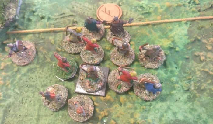 Eine unwirkliche Situation: die SAGA-Einheit der Bauern widersteht erfolgreich mehrfach dem Nahkampf mit den Veteranen der Wikinger und metzelt diese nieder.