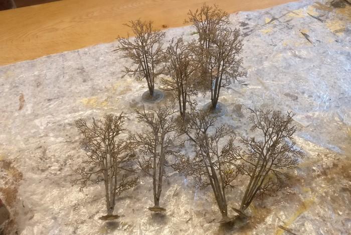 Doncolors unbehandelte Bäume in einem recht neutralen Braunton.