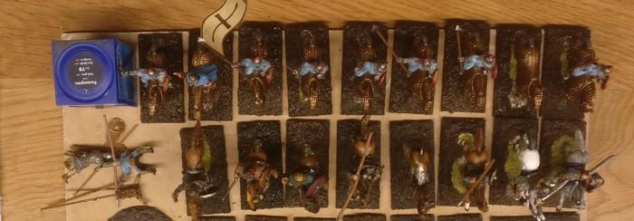 Hier wurden die Basen der Reiter bereits mit dem Gemisch aus Lederbraun/Anthrazit grundiert.