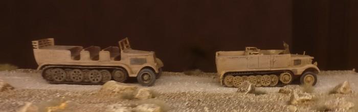 Hier sind sie traut vereint kurz vor El Alamein: der Sd.Kfz. 9 Famo und sein ehemals hässlicher Kamerad DeAgostini Sd.Kfz. 11