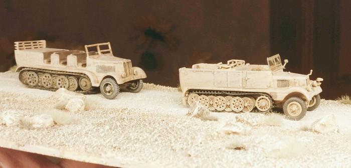 DeAgostini Sd.Kfz. 11, 15. Pz.Div., El Alamein 1942 ( und ein Sd.Kfz. 9 Famo )