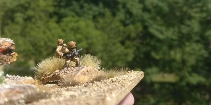 Ein Spähtrupp der Aufklärungsabteilung 3. Die 21. Panzerdivision fühlt bei Sidi Barani vor.