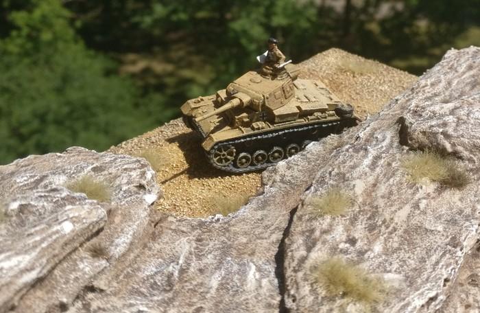 Blick aus dem Fieseler Storch des Artillerie-Beobachters beim Überfliegen des Panzer III