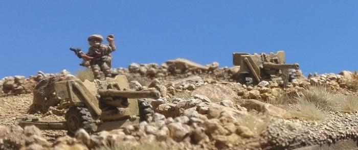 6-Pounder der Panzerabwehr der Royal Artillery bei Tobruk.