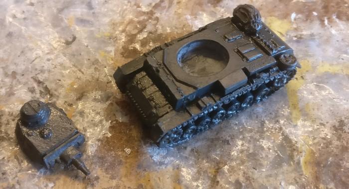 Ein wenig Anthrazit wirkt Wunder... So sah der Panzer III Ausf. N mit 7,5cm KwK 37 L/24 nach der Behandlung aus.