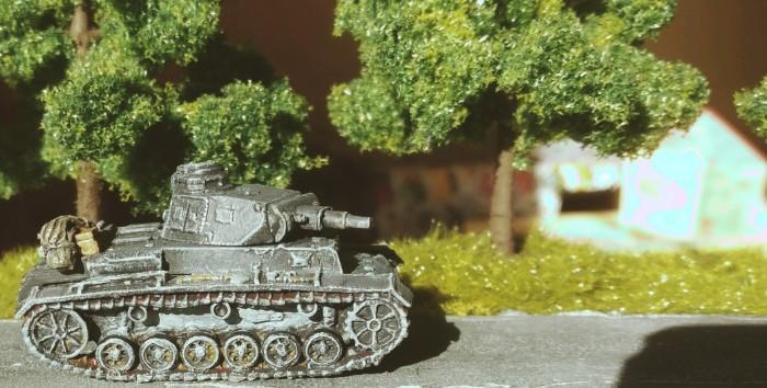Der Panzer III Ausf. N weilt mittlerweile beim Pz.Rgt. 36 der 14. Pz.Div. und rollt hier Richtung Wolga.