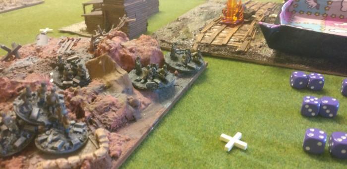 Das HMG-Platoon der 10. NKWD-Division hat Stellung bezogen und nimmt die hintere Artilleriestellung der 7. Panzerdivision unter Feuer.