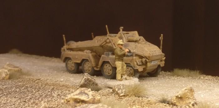 Der schwere Panzerspähwagen Sd.Kfz. 233 von DeAgostini nicht in Rhodos, aber beim ersten Einsatz.