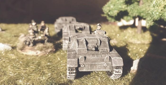 Die drei StuG III Ausf. B des III./Pz.Rgt.36 der 14. Pz.Div. üben bereits ein wenig.