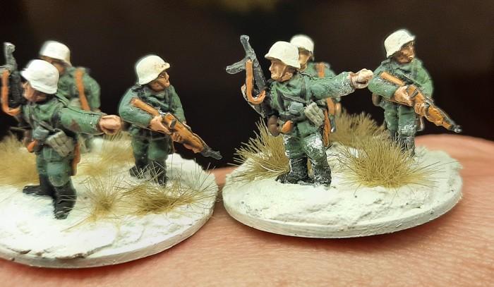 Die Rifle Foot Groups bekommen ebenfalls schnee an Knie, Schuh und Uniform ab.
