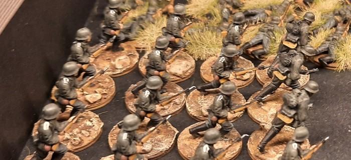 Die alte Gefechtsordnung: hier stehen noch immer vier 10-Mann-Trupps beieinander.