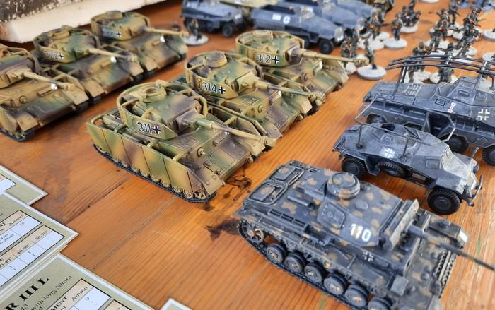 Reichlich Panzer IV Ausf. H und Panzer III
