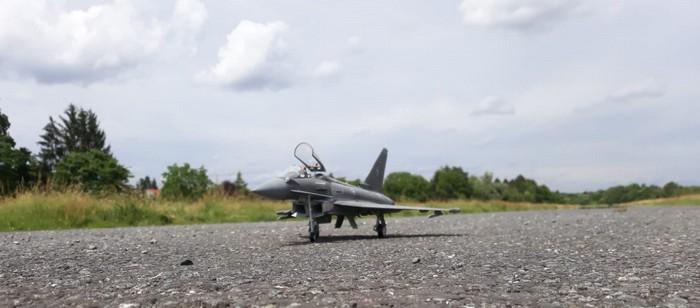 Der Eurofighter auf dem ehemaligen Flugfeld Nilkheim