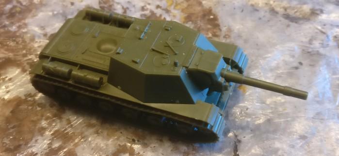 So kam das SU-152 hier frisch erfuggert an.