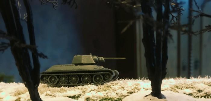 Zvezda 6159: T-34/76 obr 1943 (1:100)