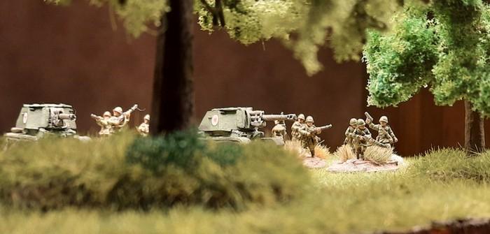 TACAM R-2: der rumänische Panzerjäger (Tun Anticar pe Afet Mobil – Selbstfahrende Pak) findet den Weg in die (15mm-)Sturmi Army