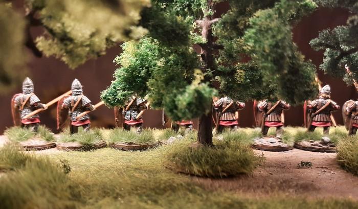 Aus dem Wald heraus beobachtet... Die Skutatoi beim Exerzieren.