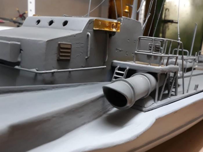 So wirken die 45cm-Torpedorohre gleich mächtiger...