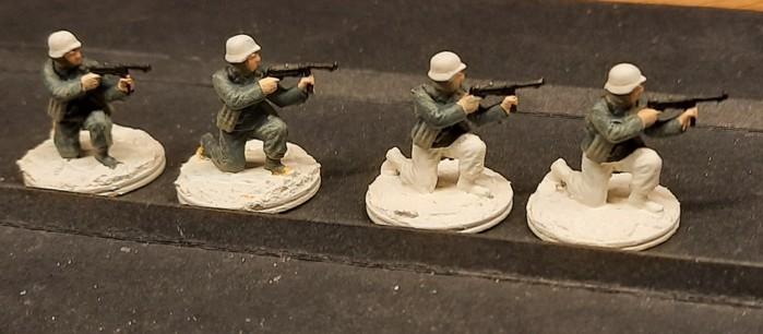 Knieende Grenadiere des Füsilier-Regiment 27.
