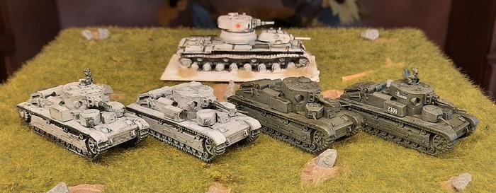 Vier T-28 und der T-100. Leckerbissen für meine Rote Armee.