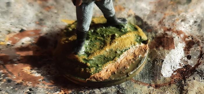 Schichten von Lasuren mit Gelboliv kommen drauf.