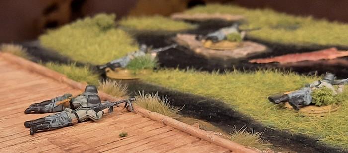 Blick auf den Knüppeldamm. die fünf MG-Schützen in den Pripjetsümpfen.