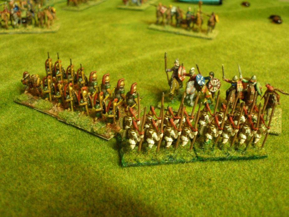 Linke Karthagische Flanke, 13:30 Uhr.., nach erbittertem Kampf können sich die punischen Veteranen gegen die angreifende Reiterei behaupten, und so die Lage ein wenig entspannen...