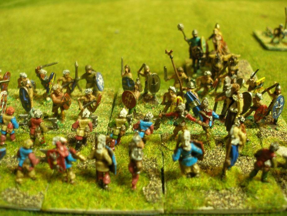 ...selbst Razgor der Wilde fährt mit seinem Streitwagen mitten in das Gemetzel, um seine Truppen zu unterstützen...