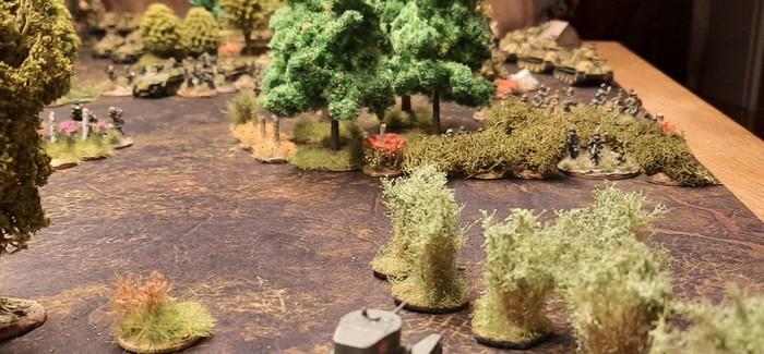 Blick der aufklärenden BT-5 auf deutsche Stellungen. Zusätzlich: Blick auf die Deep Cut Battle mat Muddy Field..