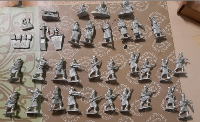 "Figuren des Set ""Greatcoat infantry advancing AB-ING27"" von AB Figures."