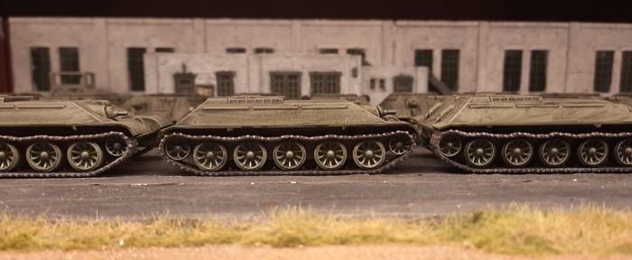 Einer der Panzerrümpfe der T-34/76 von Plastic Soldier aus der Nähe.