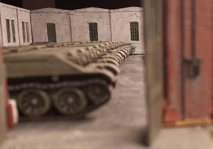 Schier endlos ist die Reihe der Panzerrümpfe. Da will man gar nicht anfangen. Es sieht nicht danach aus, heute zu einem Ende kommenzu können.