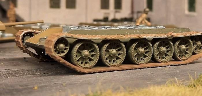 """Italeri 7523 """"T-34/76 Model 42"""": zwo Nachzügler für die 159. Panzerbrigade"""