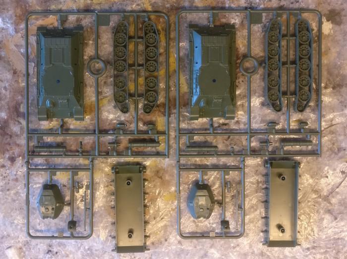 """Der Bausatz Italeri 7523 """"T-34/76"""" mit exakt einem Gussast pro Fahrzeug."""