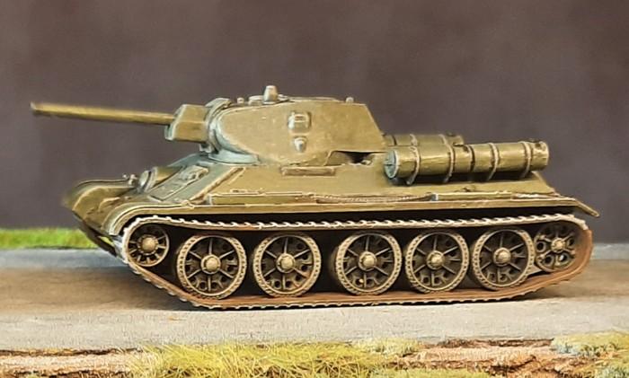 """Der erste der fertigen Italeri 7523 """"T-34/76"""""""