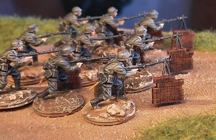 So sahen die neun LMG-schützen aus, bevor sie zur winterlichen Einkleidung beim Füsilier-Regiment 27 eintrafen.
