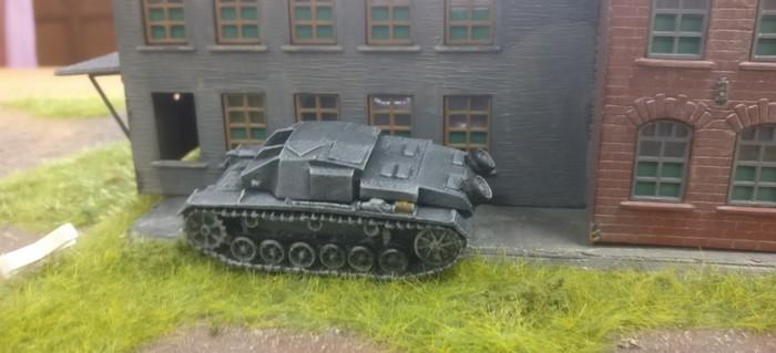 Das StuG III auf der rechten Flanke.