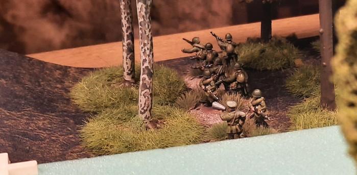 Die 2. Verteidigungslinie vor Obojan: Schützen der 61. Garde-Schützendivision.