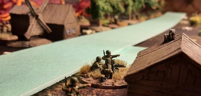 Die 3. Verteidigungslinie vor Obojan: HMG der 61. Garde-Schützendivision